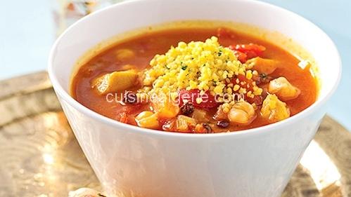 Soupe au poulet et pois chiches à la marocaine