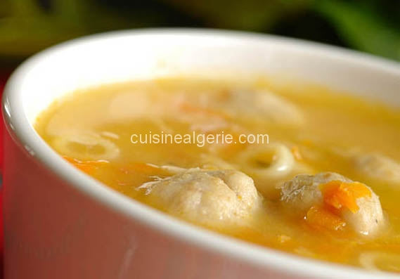 Soupe aux boulettes de dindon