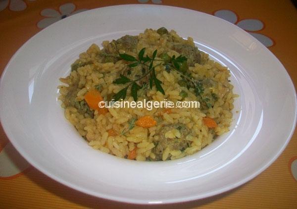 Risotto aux petits légumes et boulettes de viande hachée