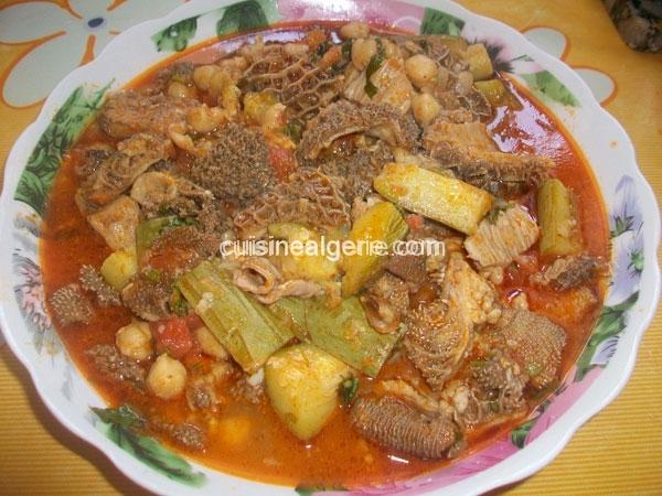 Douara (tripes) en sauce avec courgettes