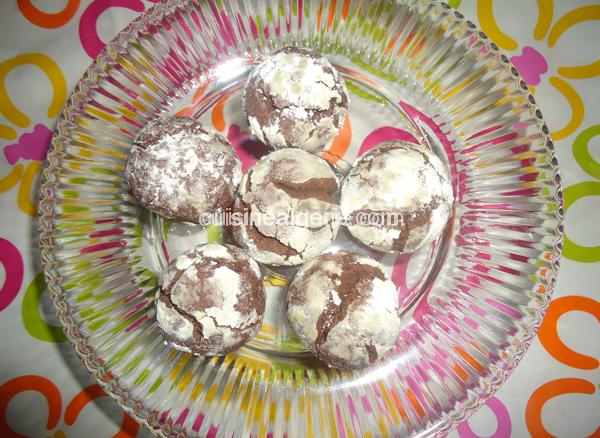 boules-au-chocolat-enrobees-de-sucre-glace